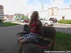Teen blonde spreads for man on hot teen