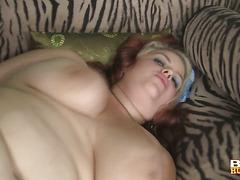Guy bonks his sexy chubby GF
