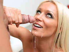 Hot blondie Mama gets what she was waiting for
