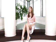 Brunette Asian cutie tries sperm