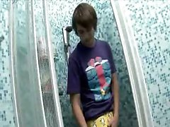 Jerome using huge anus plug in a shower